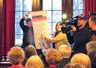 Senatorin Stahmann überreicht den 1. Bremer Preis gegen Gewalt in Pflege und Betreuung