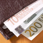Portemonai mit Geldscheinen